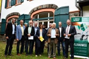 """""""Großer Bahnhof"""" in Kronenburg: Im Nachgang zum Rad-Aktionstag im vergangenen August wurden jetzt die Preise überreicht. Foto: S. Kiesel, Kreis Euskirchen"""