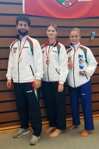 Trium Beha (v.l.), Tessa Ternes und Jessica Rau kamen mit gleich mehreren Medaillen nzurück nach Schleiden. Bild: Taekwondo Club Schleiden