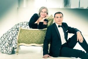 """Das Carles & Sofia Piano Duo gastiert im Rahmen von """"Montjoie Musicale"""" im Aukloster Monschau. Bild: Konzertdirektion Koltun"""