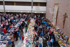 Beim Second Hand Markt in Bad Münstereifel ist der Andrang stets groß. Bild: Kinderschutzbund BM