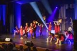 Schülerinnen und Schüler der Irena-Sendler-Schule bewältigten gekonnt den Anfang eines dreistündigen Musical-Konzerts. Bild: Tameer Gunnar Eden/Eifeler Presse Agentur/epa