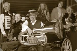 """Die sechs Musiker des """"Salon Ensembles Beda"""" spielen Unterhaltungsmusik aus der Mitte der des 19. Jahrhunderts. Bild: Veranstalter"""