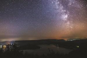Die Sternenwoche bietet Veranstaltungen von der Planetenbeobachtung bis zur nächtlichen Biberwanderung. Foto: Andy Holz