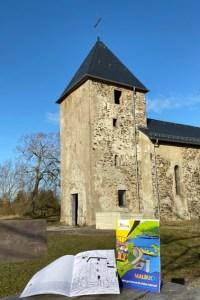Auch die Kirche Wollseifen gehört zu den Motiven, die im Kindermalbuch der Bürgerstiftung zu finden sind. Bild: Kerstin Wielspütz/Stadt Schleiden
