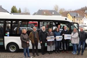 Alle beteiligten Akteure sind sichtlich zufrieden, dass der CityBus nun Fahrt aufnimmt. Bild: RVK