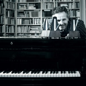 Klaus Desch spielt seit dem sechsten Lebensjahr Klavier. Bild: Axel Grundhöfer.
