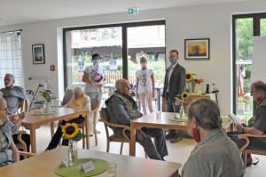 Coronabedingt durften nur zehn Menschen am diesjährigen Sommerfest der Seniorentagespflege teilnehmen. Bild: Carsten Düppengießer