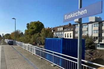 Im Euskirchener Bahnhof wird ein Bahnsteig für die Bördebahn umgebaut. Bild: NVR