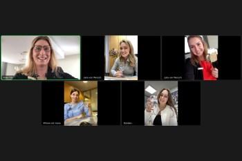 Per Videokonferenz coronakonform zu Wort gemeldet haben sich die erfolgreichen Absolventen der KSK und ihre Ausbilderin: Die Bankkaufleute Anke Titz (von links oben), Ausbildungsleiterin, Jana von Wersch, Julia von Wersch, Ivana Dumancic und Daniela Quint. Foto: KSK