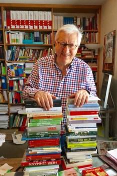 Dr. Josef Zierden, der Leiter des Eifel Literatur Festivals, bemängelt die Corona-Politik von Bund und Ländern, die die Kultur immer mehr ins Abseits drängt. Bild: Privat