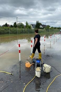 Auch das Außengelände in Kuchenheim stand teilweise unter Wasser. Viele Kellerräume wurden geflutet. Bild: NEW