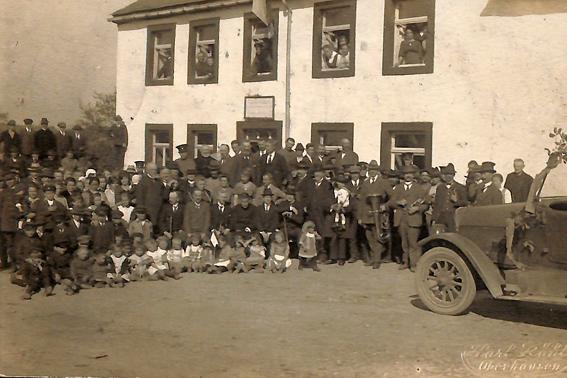 Dieses Bild dokumentiert die Feierlichkeiten in Losheim am 1. Oktober 1921. Quelle: Kreisarchiv Euskirchen