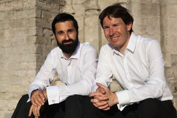 Der albanische Cellist Olsi Leka (v.l.) ist zusammen mit seinem Duopartner Peter Caelen in Monschau zu Gast. Foto: P. Caelen