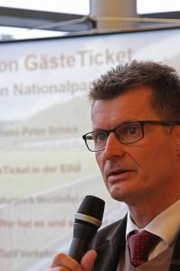 "Jan Lembach, Geschäftsführer Naturpark Nordeifel, möchte mit dem ""GästeTicket"" den Kohlendixid-Ausstoss dirch den Eifel-Tourismus reduzieren. Bild: Tameer Gunnar Eden/Eifeler Presse Agentur/epa"