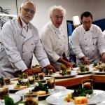 Walter Schütz (rechts), Vorsitzender des Club der Köche Nordeifel (CdK) wird mit zahlreichen Berufskollegen  ein Fünf-Gänge Meneu zaubern.