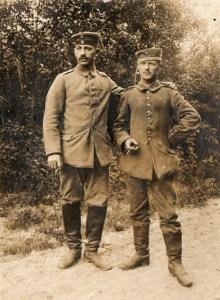 Der Freilinger Philipp Hellenthal (rechts) hat in der umfassendsten europäischen Sammlung von Originaldokumenten zum Ersten Weltkrieg seinen festen Platz gefunden. Bild/Repro: Simon Hellenthal