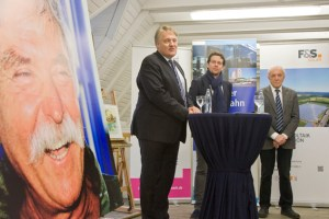 Wolfgang Spelthan (links) bedankte sich besonders bei den Sponsoren. Bild: Tameer Gunnar Eden/Eifeler Presse Agentur/epa