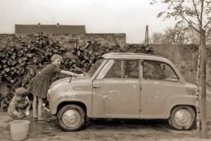 """""""Für das Waschen des elterlichen Autos gab es 50 Pfennig"""": Beispiel eines eingereichten Zeitzeugen-Fotos Bild: privat"""