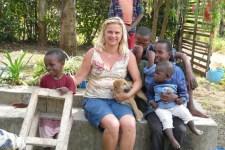 Für ihre Hilfs-Projekte in Tansania veranstaltet Lilo Langen wieder ein Konzert am Kloster Schweinheim. Bild: Langen