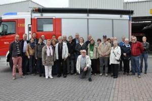 Gruppenbild der Kaller Feuerwehr mit ihren Moler Kollegen vor der Feuerwache in Mol. Bild: Reiner Züll