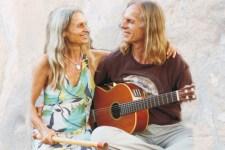 """Das Akustik-Duo """"Gitama & Kabir"""" will am Freitag, 29. Juni, in der Kirche Uedelhoven spirituelle Lieder spielen. Bild: privat"""