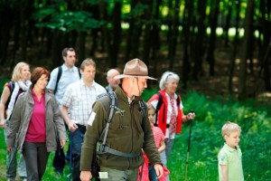 Die neue Wandersaison startet mit einem bunten Fest rund um das Nationalpark-Tor Gemünd. Bild Nordeifel Tourismus GmbH