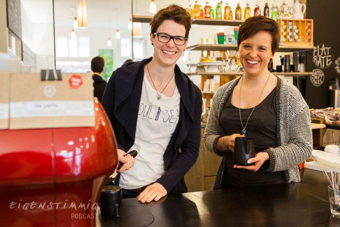 Folge 3.5 Kathi Schroer und Steffi Weber: Detailverliebte Kaffeefreundschaft