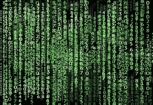英語の数字の読み方-マトリックスみたいなぱソンコン画面、緑色の数字が雨のようにスクリーンの上から下に落ちている-函館英会話教室EigoLa