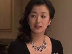 華麗なる一族の鈴木京香