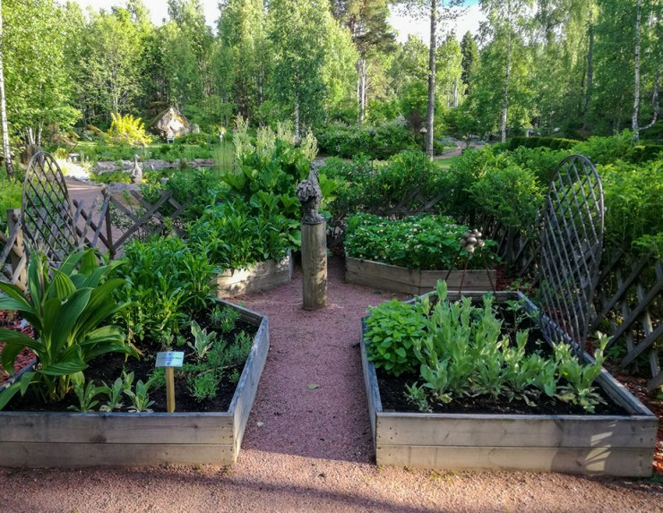 Cottage gardenissa