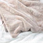 Luxury Faux Fur Throw Blanket Super Soft Oversized Thick Warm Afghan Reversible To Plush Velvet In Blush Chinchilla Machine Washable Eikei