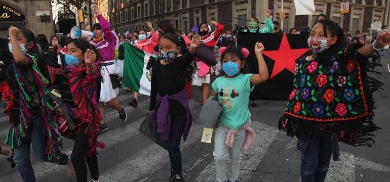Enfrentamiento-femistas-polcias-eikon18