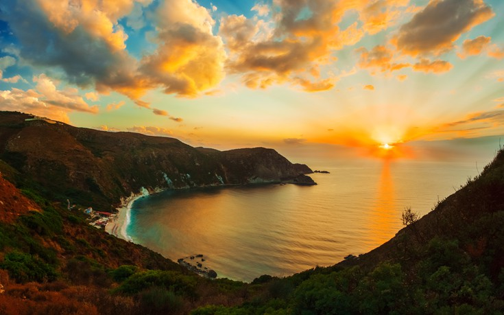 Ηλιοβασίλεμα στις πιο όμορφες γωνιές της Ελλάδας