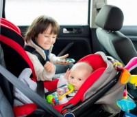 За детей не в автокресле начнут штрафовать — Зеленский одобрил