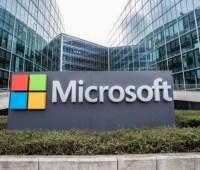 Стоимость Microsoft достигла триллиона долларов. Это удавалось только Apple и Amazon
