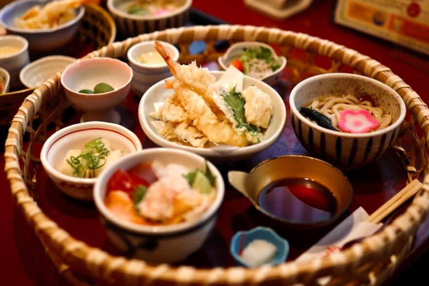 ゆうゆう大津店|世代を超えて愛される高知市の和食レストラン。