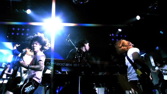 [2010.11.24] Fear, and Loathing in Las Vegas - Love at First Sight (BD) [720p]   - eimusics.com.mkv_snapshot_00.35_[2015.07.30_16.41.57]