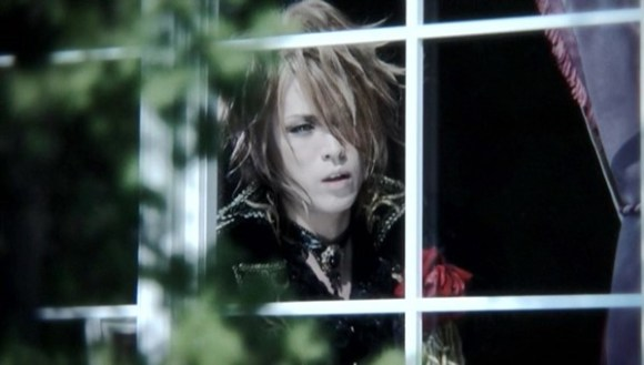 [2010.01.20] Versailles - SERENADE (DVD) [480p]   - eimusics.com.mkv_snapshot_00.47_[2015.09.29_18.18.57]