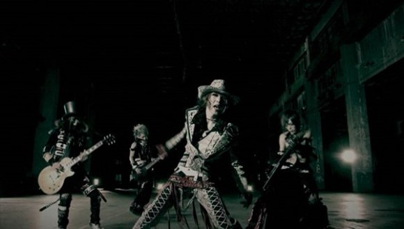 [2012.02.29] Lycaon - Akutoku no Sakae (DVD) [480p]   - eimusics.com.mkv_snapshot_01.15_[2015.10.05_14.10.19]