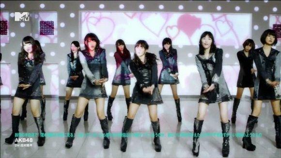 AKB48 - Suzukake no Ki no Michi de... Yaya Kihazukashii Ketsuron no you na Mono