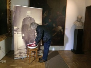 Rituell håndvask på Semmelweis-museet, Budapest, på den internasjonale håndvaskedagen