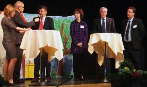 Lockerer Geburtstags-Talk (v.l.): Dr. SDabine Michalek, Moderator Eberhard Schmah, Landrat Michael Wickmann, Karin Heidemann,