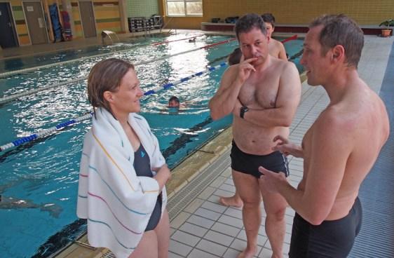 Politik am Beckenrand: Dr. Sabine Michalek, Dirk Ebrecht, Dr. Roy Kühne.
