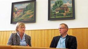 Justizministerin Antje Niewisch-Lennartz und Amtsgerichtsdirektor Thomas Döhrel.