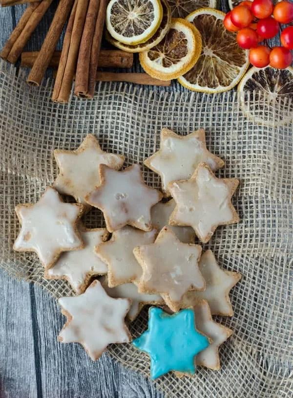 Leckere Mandelsterne, ganz ohne Mehl gemacht. Delicious flourless almond stars. Recipe also in english!