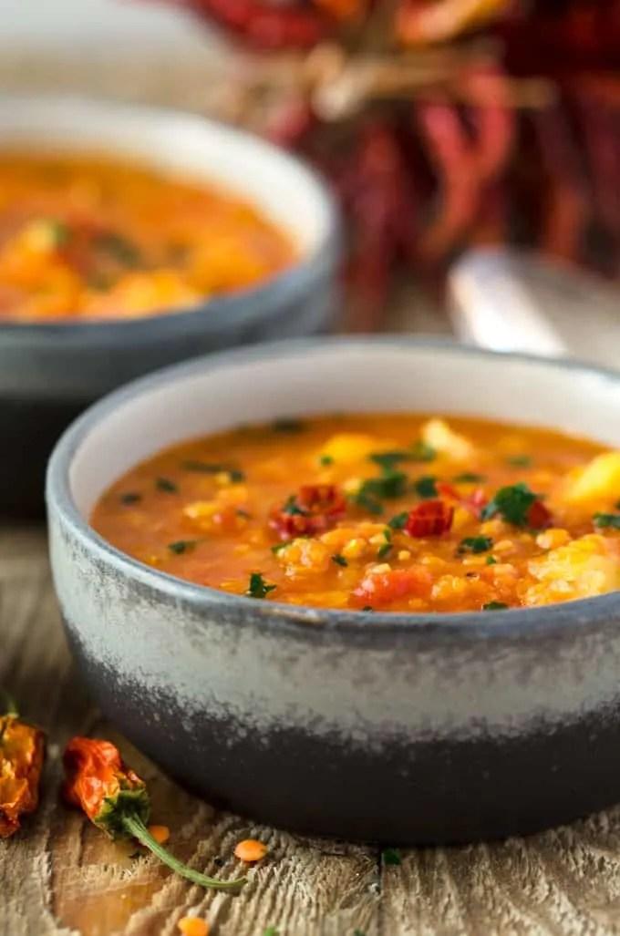 Mildes Curry mit Linsen, Kartoffeln und Blumenkohl - vegan