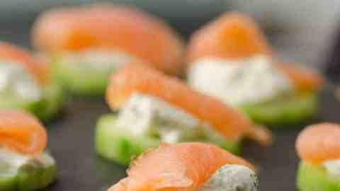 Gurken-Lachs-Häppchen mit Frischkäse