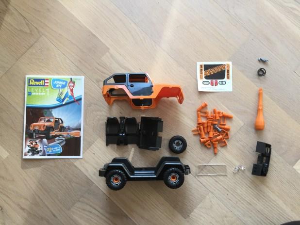 Auf die Plätze, fertig, los! Das Revell-Junior-Kit ist für kleine Konstrukteure ab 4 Jahren gedacht.
