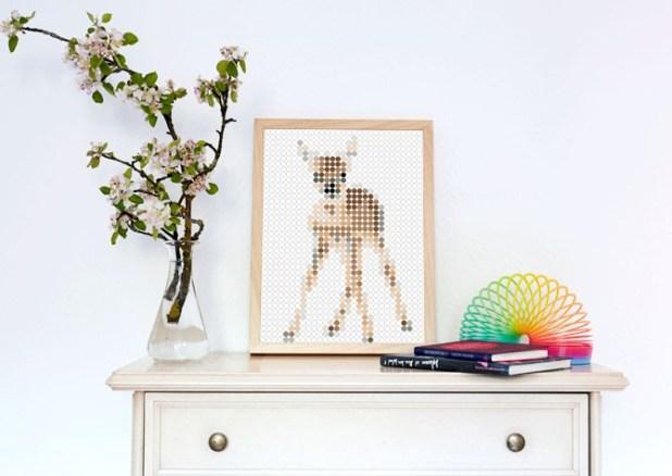 Dot On Art: mit bunten Klebepunkten ein Bild kleben! Geniale Idee und süßes Bambi-Motiv