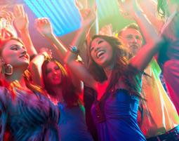Coyote Ugly deine Party im Saloon – Party mit Cocktails fuer bis zu 30 Personen